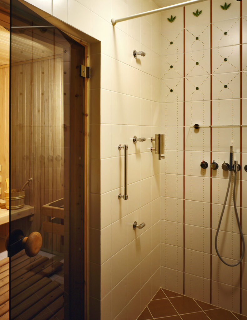 Manufactured Home Shower Units