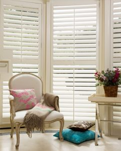 Full height shutters for manufactured home